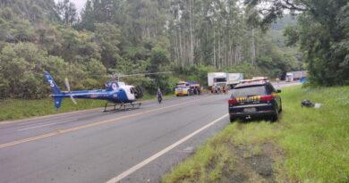 Acidente no km 374 da BR 376 deixa duas vítimas em estado grave