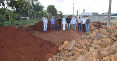 Ivaiporã vai pavimentar 140 quadras com pedra irregular