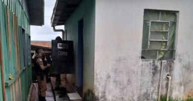Policiais recebem Moção de Aplausos após salvarem homem em Ivaiporã