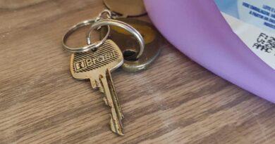 Homem deixa chave escondida e tem casa furtada