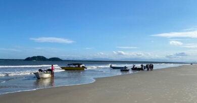Criança de 6 anos salva três pessoas no litoral do Paraná, diz polícia