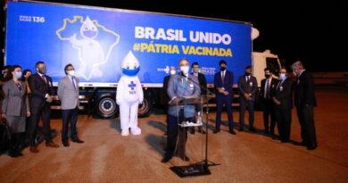 Chega ao Brasil 1º lote da vacina da Pfizer-BioNTech