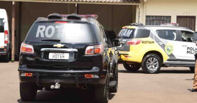Suspeito de tráfico de drogas oferece suborno a policiais
