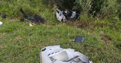 Jovem morre em colisão envolvendo BMW de Apucarana e dois caminhões