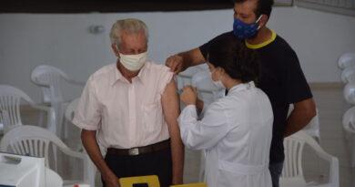 Ivaiporã retoma vacina 1ª dose em idosos na segunda-feira