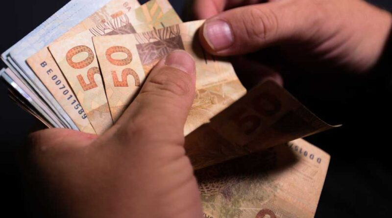 Governo antecipa 13º para aposentados e pensionistas do INSS