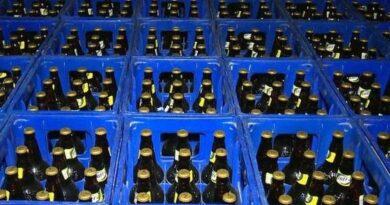 Assaltantes roubam carga de cerveja de caminhão na PR-082