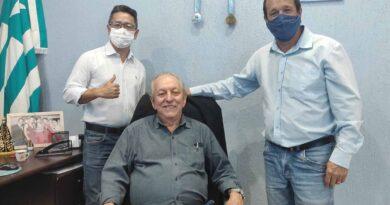 Prefeito de Jardim Alegre recebe a visita do ex-prefeito Messias