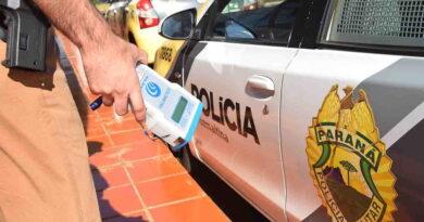 Motorista bêbado é preso dirigindo em zigue-zague na PR-082