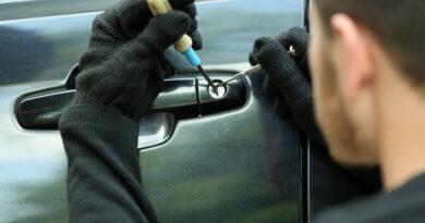 Ladrão danifica carro de professora em tentativa de furto em Ivaiporã