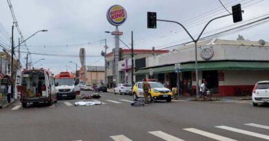 Motociclista morre em batida envolvendo duas motos e uma bicicleta